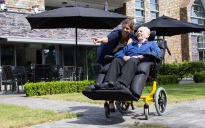 Borger glider ud af kørestolen. Hvad gør jeg?