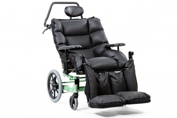 Swing kørestol til brugere med fx Huntingtons sygdom.